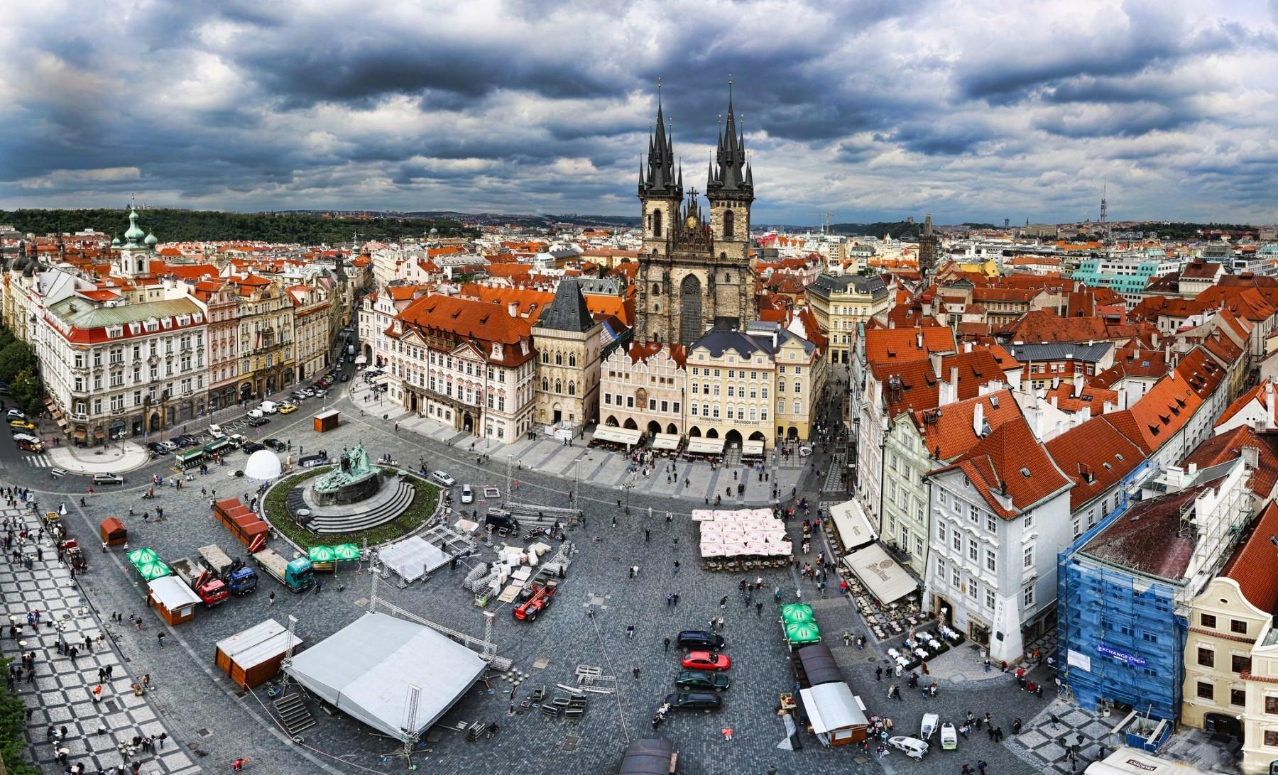 Чешское за деньги на улице 3 фотография